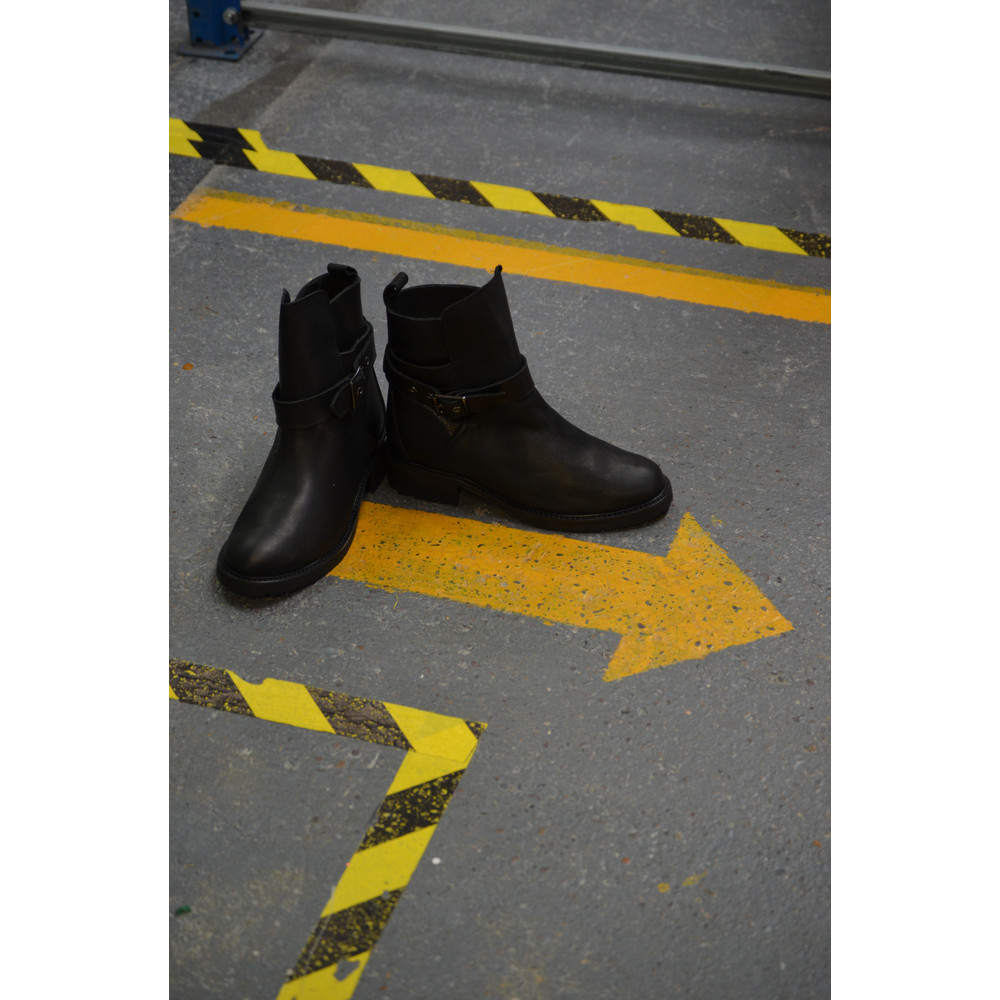 Ivylee Joan Biker Boot with Wool Lining Black