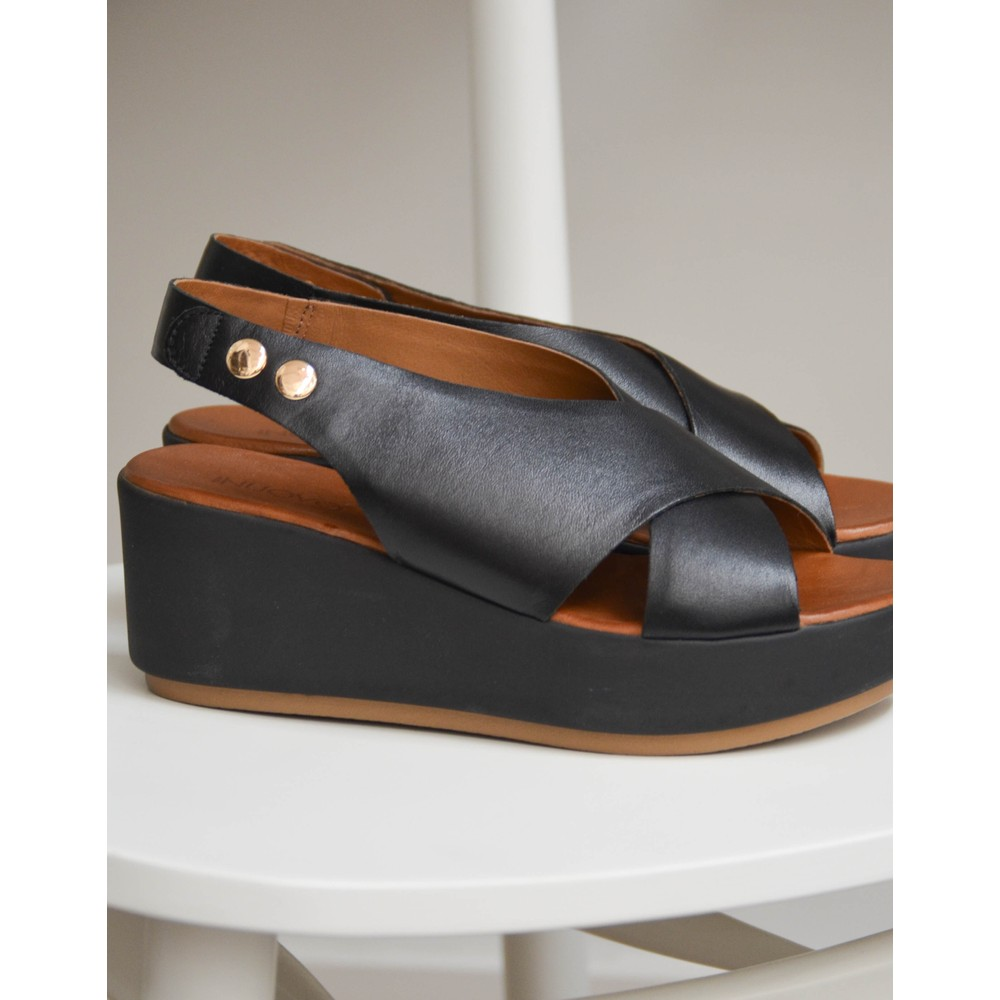 Inuovo Crossover Wedge Sandal Black