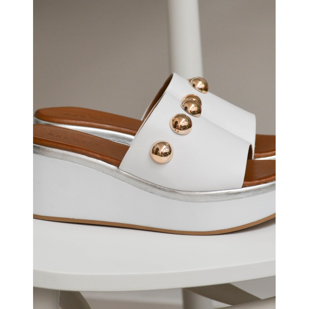 Inuovo Stud Wedge Mules White