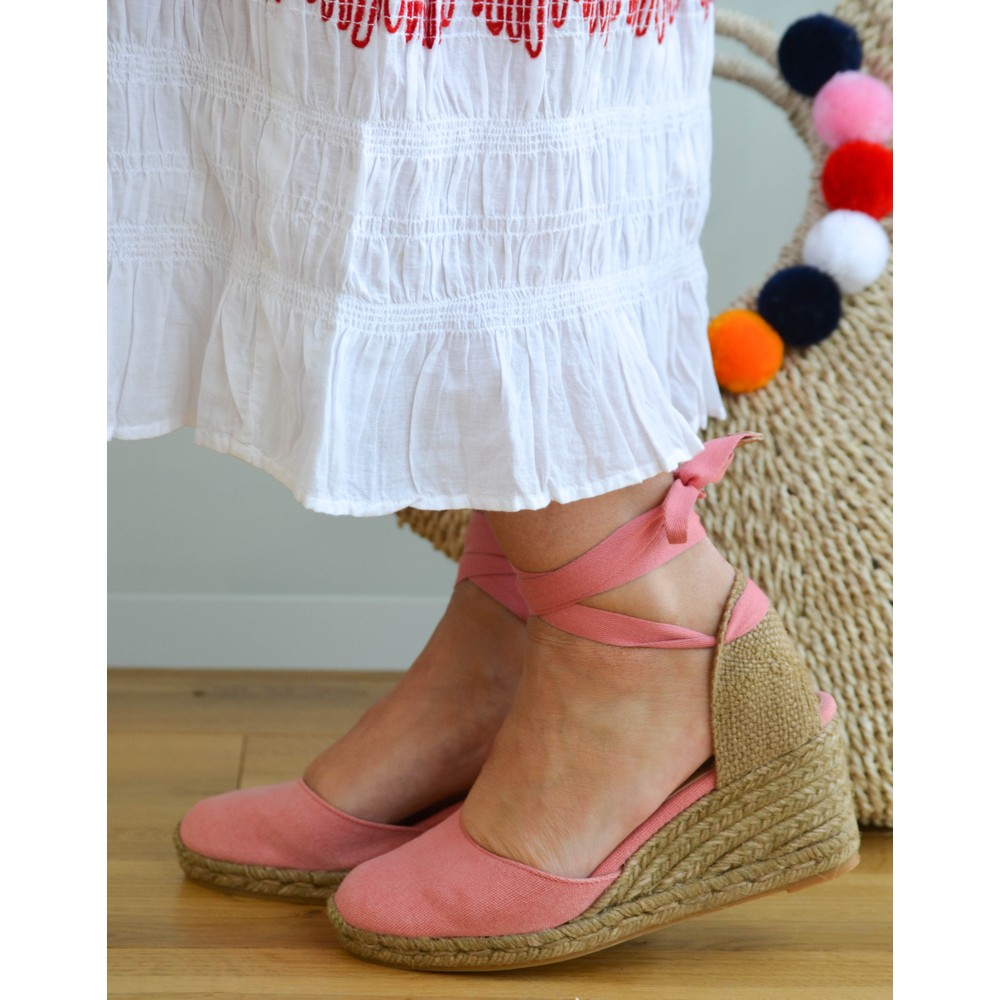 08a17653615 Castañer Carina Wedge Pomegranate