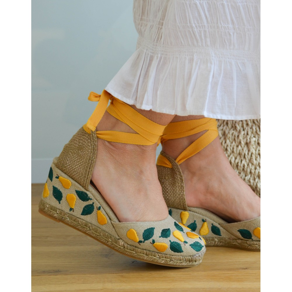 Castañer Carina Embroidered Pear Wedge Natural/Yellow