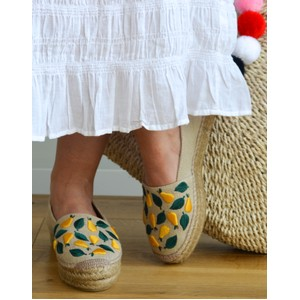 Kenda Embroidered Pear Shoe Natural/Yellow