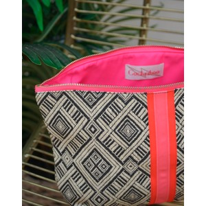 Cockatoo Azteck Wash Bag Black
