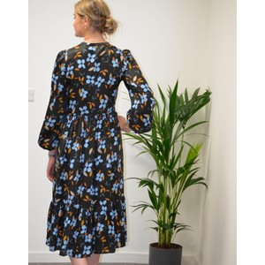 Munthe Dull Floral Silky Dress Black/Multi