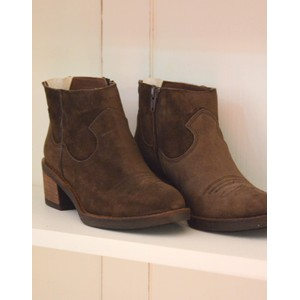 Cowboy Stitch Detail Ankle Boot Suede Brown