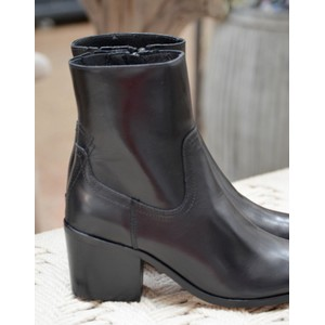 Georgia Pointed Ankle Boot Black