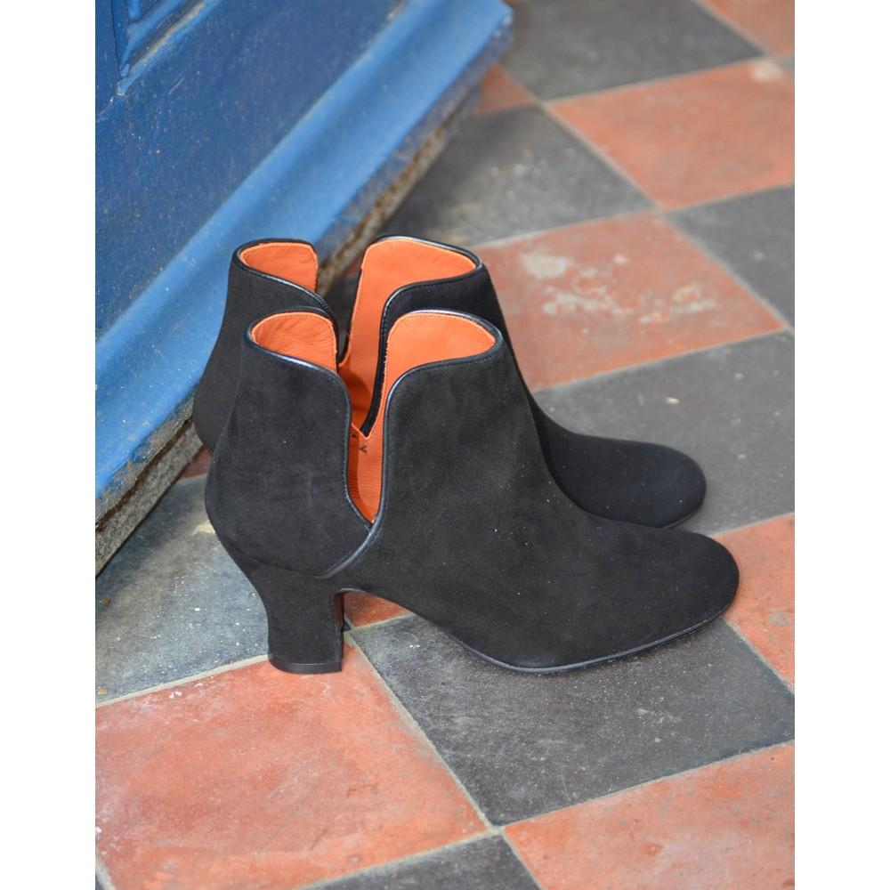 Penelope Chilvers Almendra Suede Boot Black