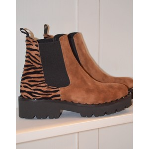 Zebra Back Detail Boot Bison