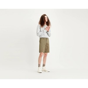 Levis Chino Taper Short in Bunker/Olive