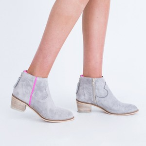Neon Stripe Boot-Python Zip Bk Pearl