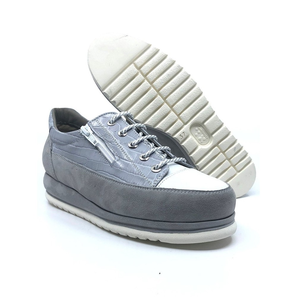 Calpierre Lace Up Wedge Trainer Rov/Light