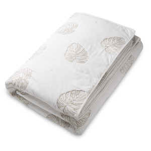 Jungle Leaf Quilt 100% Cotton White