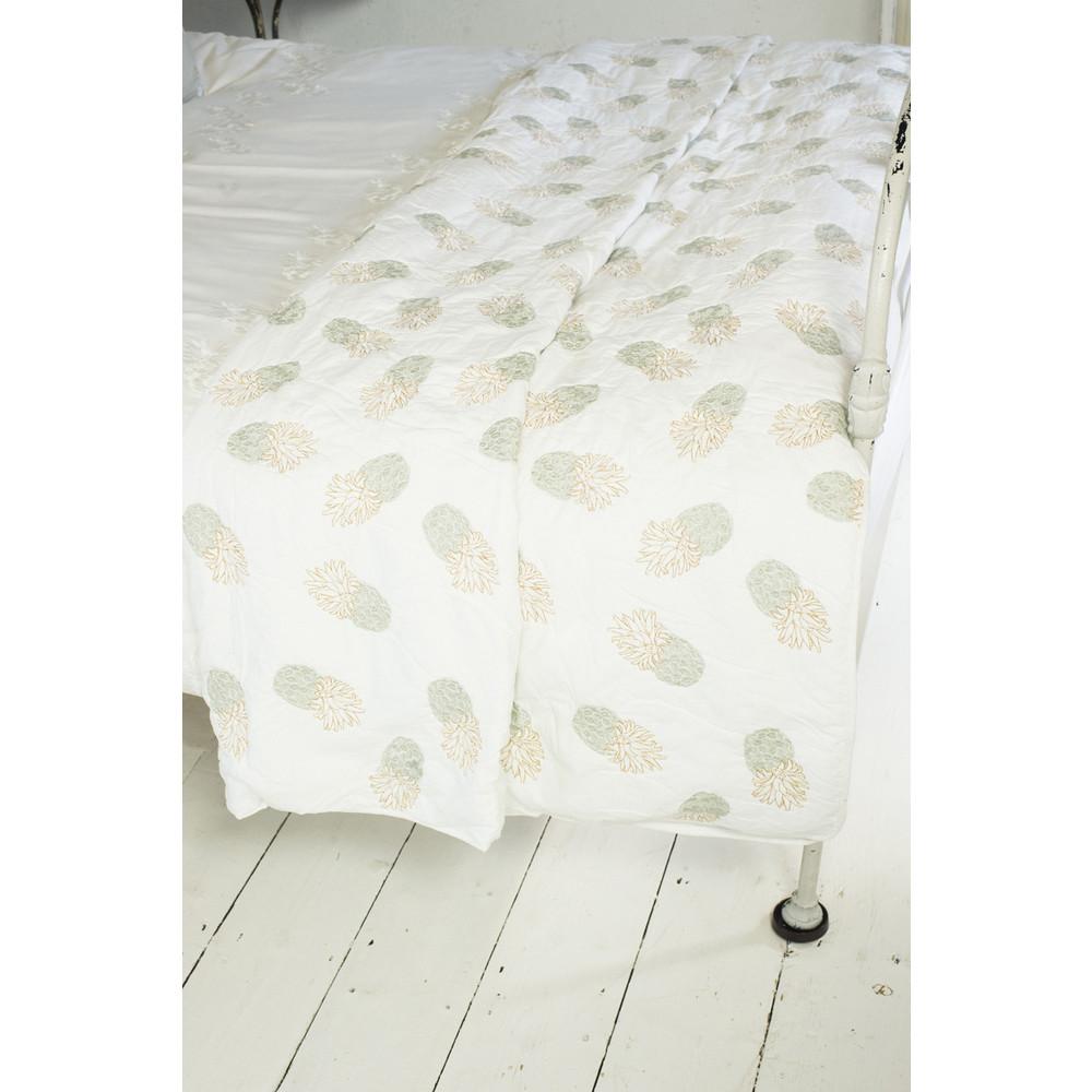 Elizabeth Scarlett Ananas 100% Cotton Quilt White