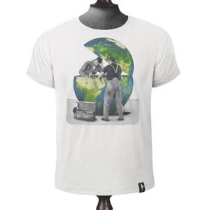 Global Breakdown T Shirt Vintage White