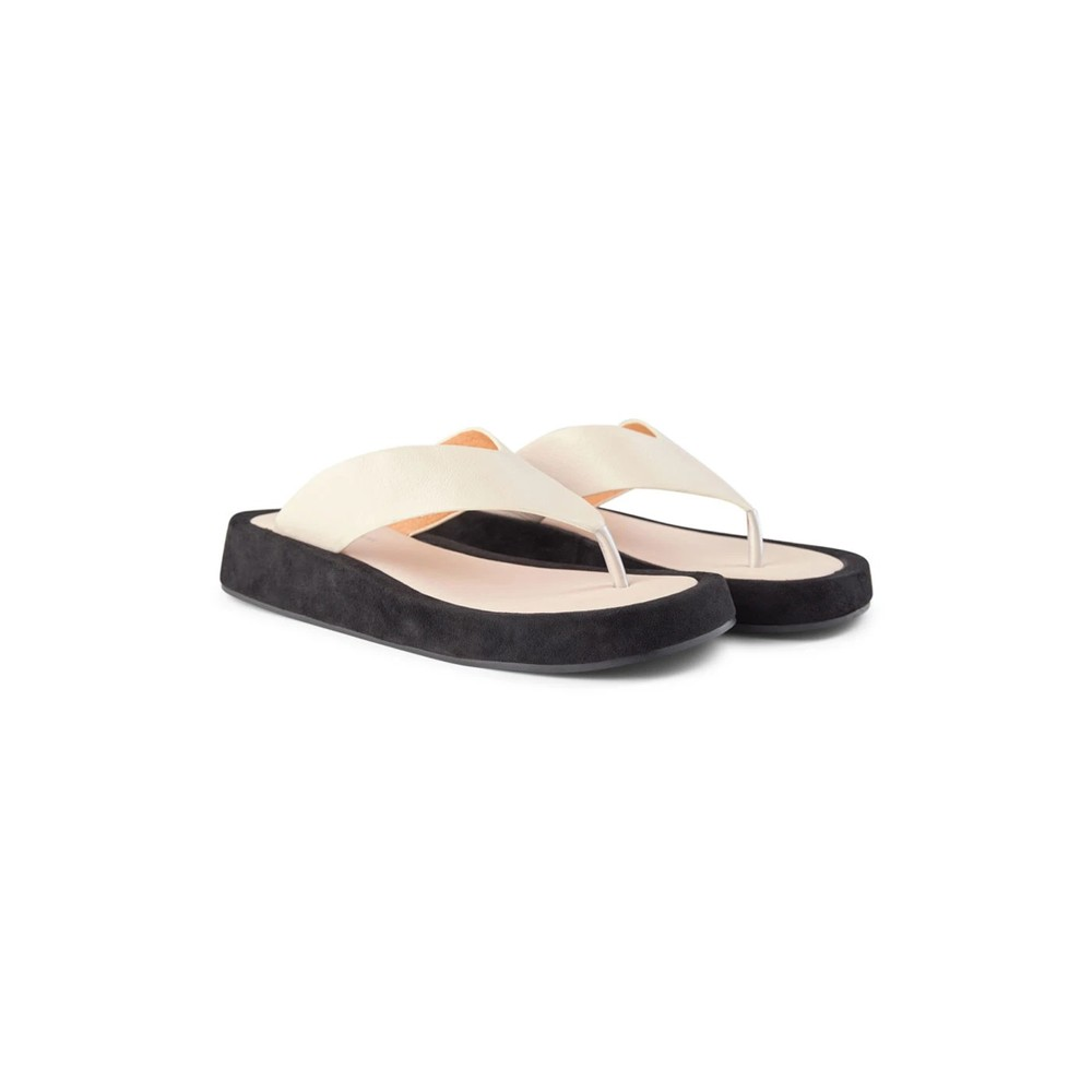 Shoe The Bear Astrid Thong Sandal Off White/Black