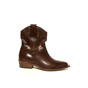 Low Heel Cowboy Boot Tan