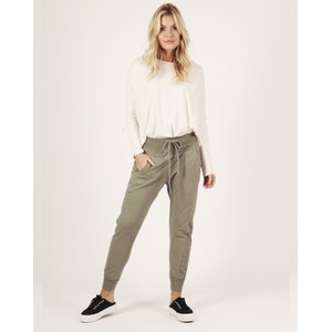 Suzy D The Ultimate Joggers in Taupe