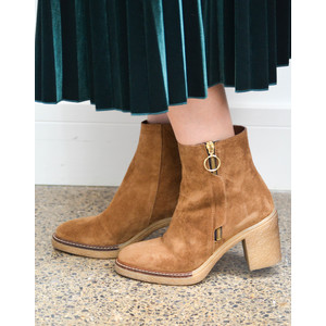 Side Zip Heeled Boot Tan