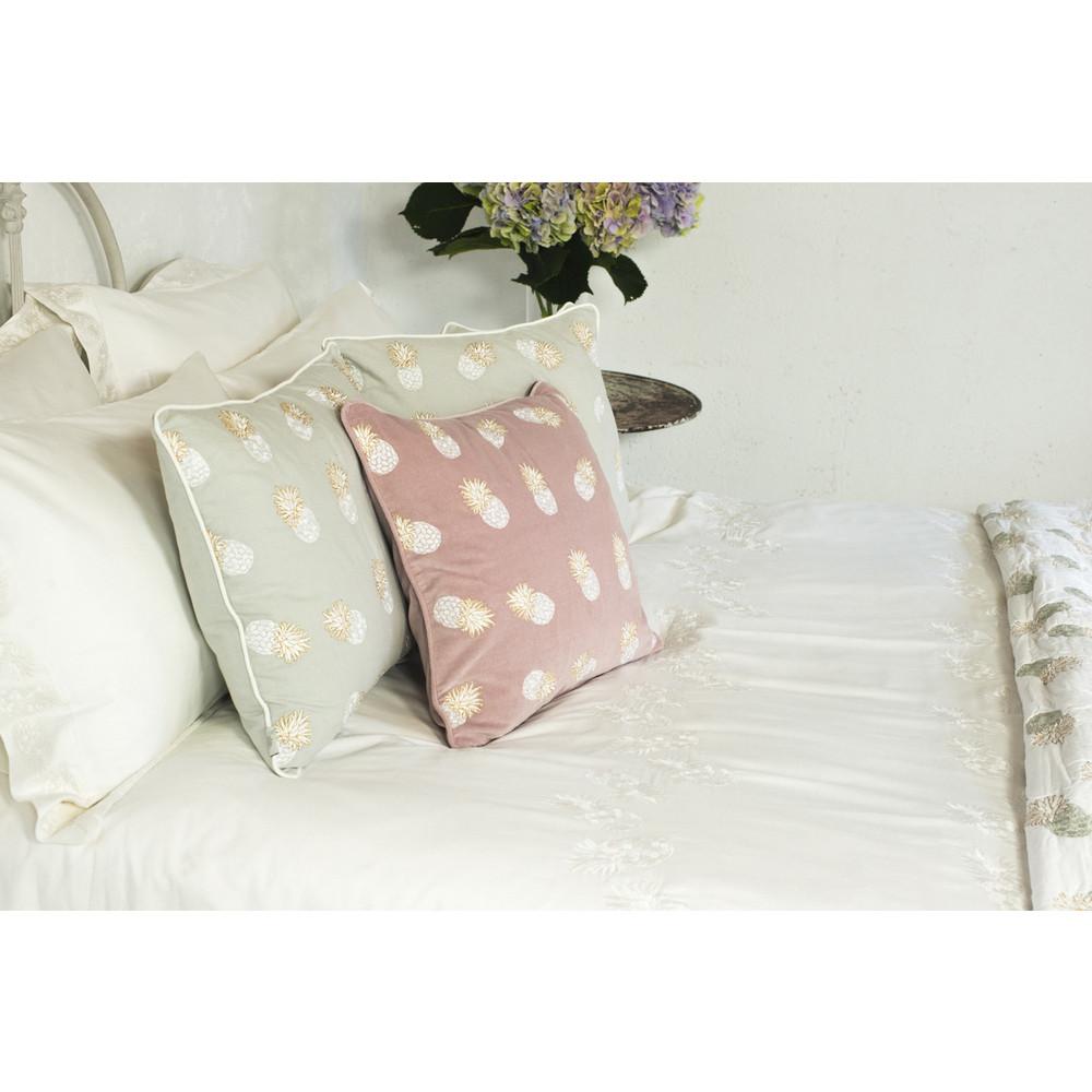 Elizabeth Scarlett Ananas 100% Cotton Quilt - Kingsize White