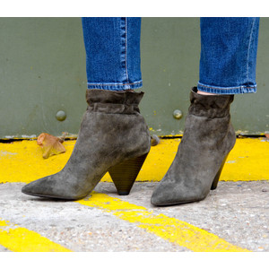 Dafne Ruffle Boot