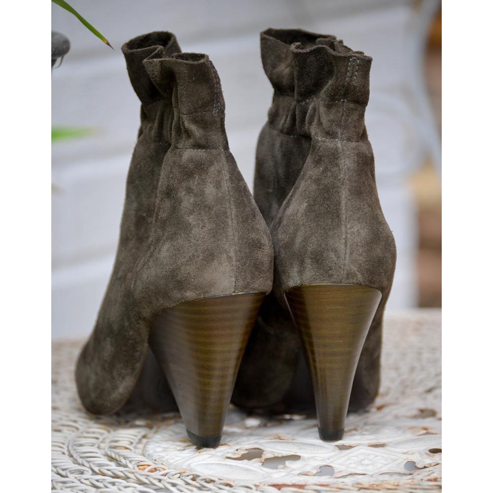 Ash Dafne Ruffle Boot Military