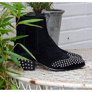 Hook Studded Boot Black